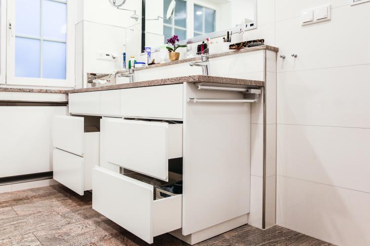 schreinerei badezimmerm bel nach ma schreinerei. Black Bedroom Furniture Sets. Home Design Ideas